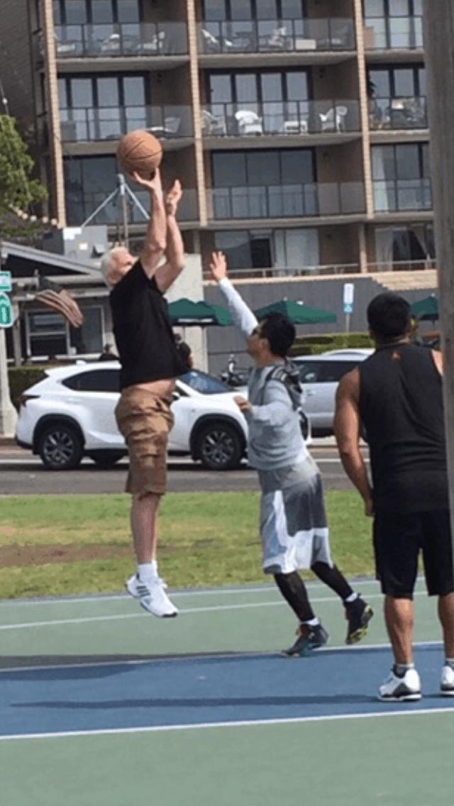 Bob VandePol playing basketball