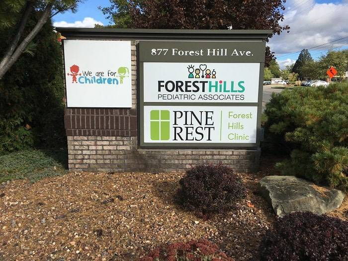 Forest Hills Clinic Sign
