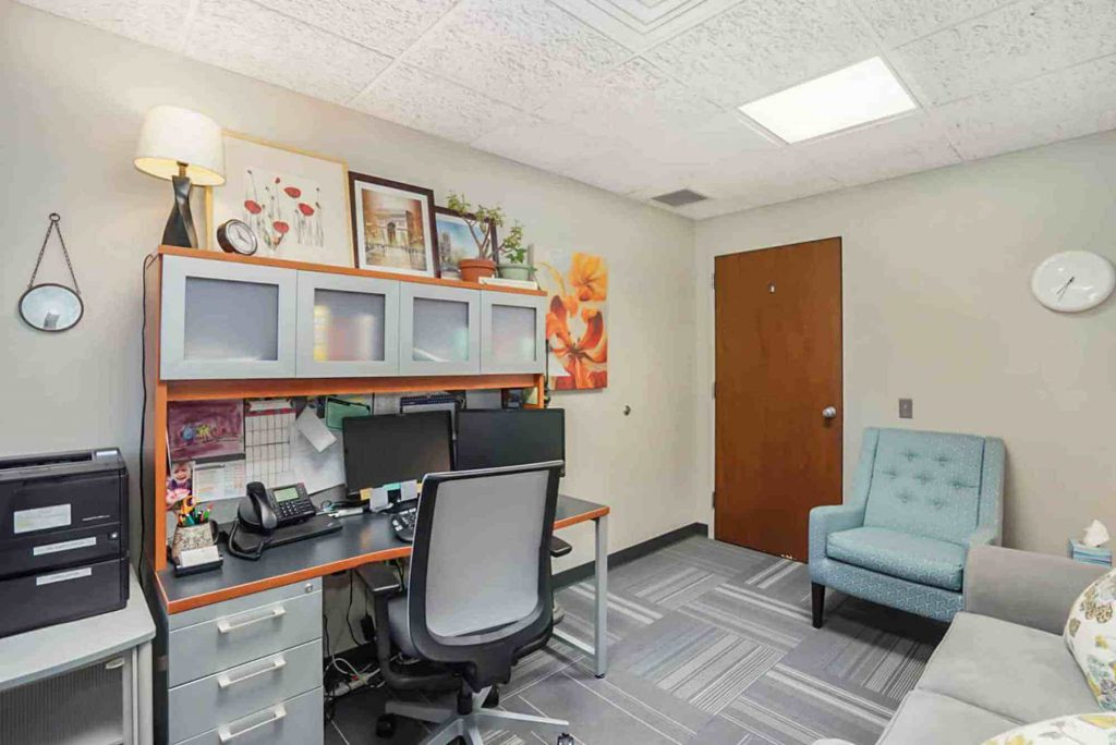 Campus Clinic therapy room